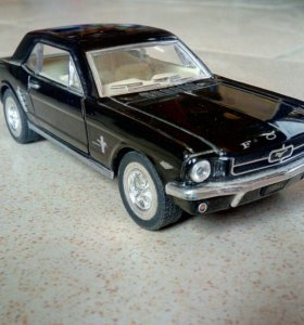 Коллекционная модель 1/32 Ford Mustang 1964