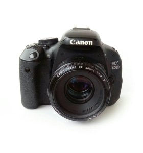 Canon EOS 600D EF-S 18-135mm