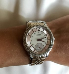 Новые часы Guess W0931L1
