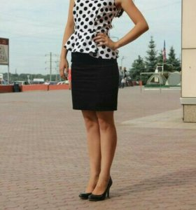 Женское платье с баской