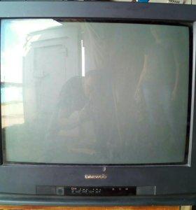 Продам телевизор,торг уместен