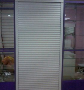 Шкафы витрина, рольставни