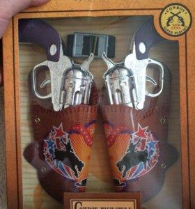 Новый игрушечный пистолет Ковбоя.