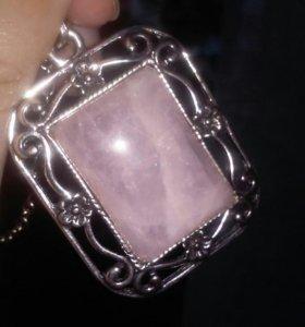 Кулон розовый кварц