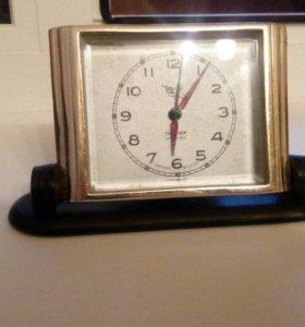 Часы пионер