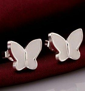 Серьги-гвоздики в форме бабочки (новые)