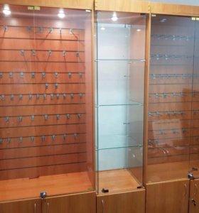 Витрины-шкафы с эконом панелями и ресепшн
