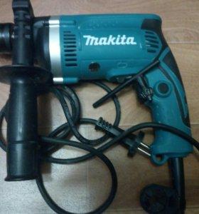 Makita Ударная дрель HP1630КХ2