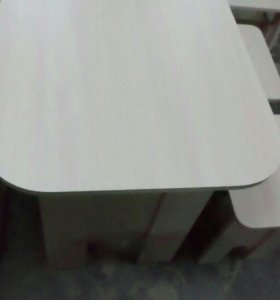 Стол обеденый