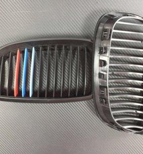 Решетка Радиатора (ноздри) для BMW E-92 М-стиль