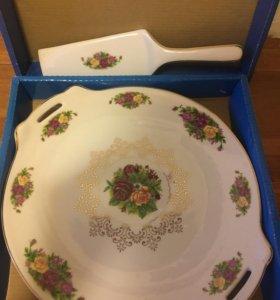 Тарелка фарфоровая для торта с лопаткой