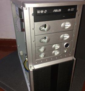 Компьютер (системный блок + монитор + клава/мышь)