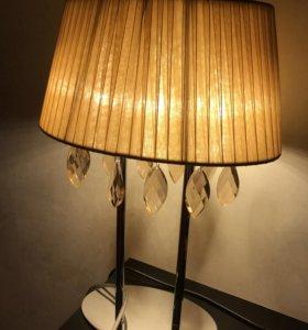 Прикроватные или настольные лампы (2 шт.)