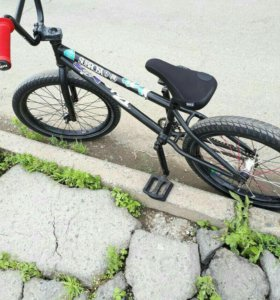 Отличный полностью рабочий BMX.