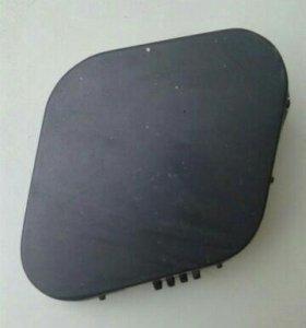 Заглушка (лючёк) на передний бампер