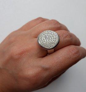 Кольцо серебро 18р