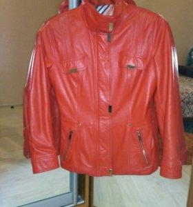Куртка кожаная 42 р.