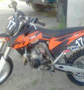 Кроссовый мотоциклллл