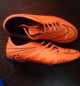 Футбольная обувь(NIKE HYPERVENOM)