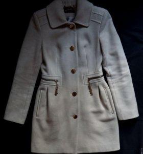 Пальто женское демисезонное кремово