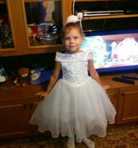 Платье на 3 годика .