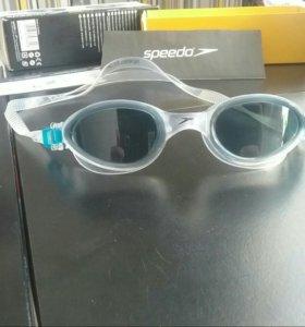 Продам очки для плавания speedo