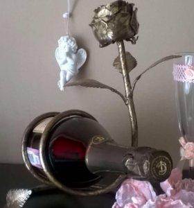 Кованая подставка-сувенир для бутылки
