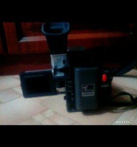 Видеокамера Samsung VP-L800