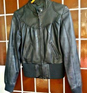 Женская куртка stradivarius