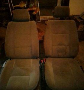 Автомобильные кресла,от Мерседеса
