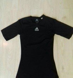 Обтягивающая футболка adidas