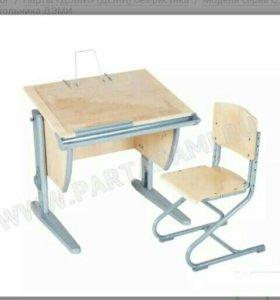 Стол + стул.