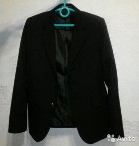 темно-синий школьный пиджак