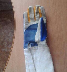 перчатка детская. фехтование