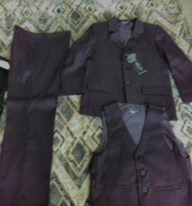 костюм тройка черный