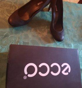 Туфли кожанные ECCO 39р новые