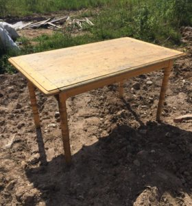 Стол деревянный
