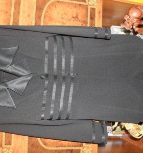 Продам платья костюмы