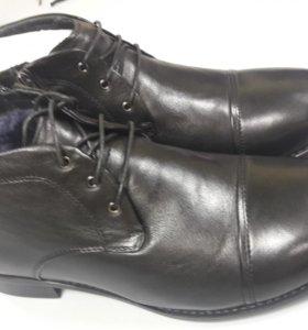 Ботинки новые кожаные 39 размер
