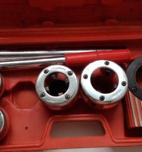 Набор клуппов для нарезания резьбы на трубах 5 предметов