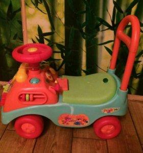 Детская каталка-машина