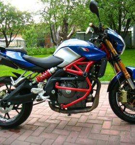 Мотоцикл Stels Benelli 600