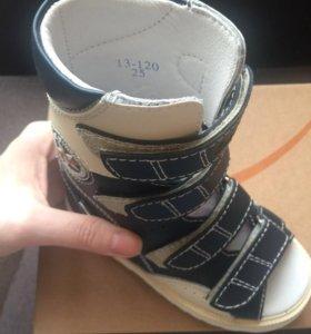Обувь ортопедическая ( новая) 25 размер
