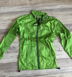 Спортивная куртка- ветровка новая