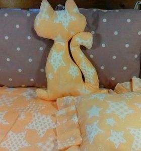 Комплект бортиков с постельным бельем в кроватку