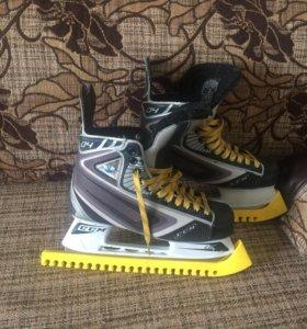 Хоккейные коньки CCM Vector 04 размер 7 D (41)
