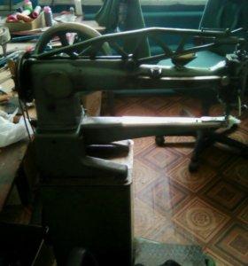 Швейная машина MINERVA в отличном состояние