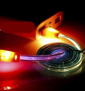 Светящийся USB кабель.