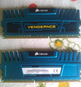 DDR3 8Gb (4+4) Corsair
