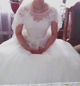 платье свадебное,кольца фата туфли